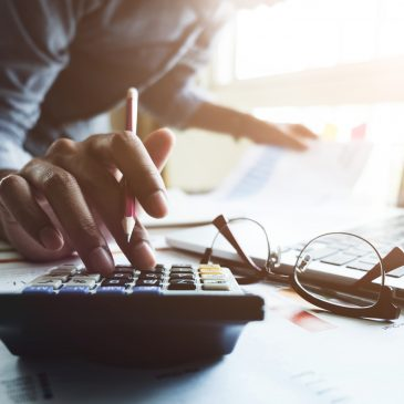 DIY Accounting vs. Hiring a Pro: What You Need to Know